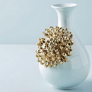 Anthropologie Ceramic Bloom Vase - Chrysanthemum